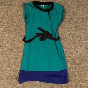 Speechless color block shift dress. M. EUC.